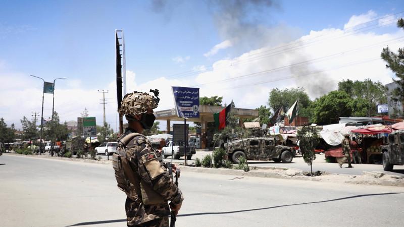 ভয়াবহ বিস্ফোরণে আফগানিস্তানে  ১৪ সেনা নিহত